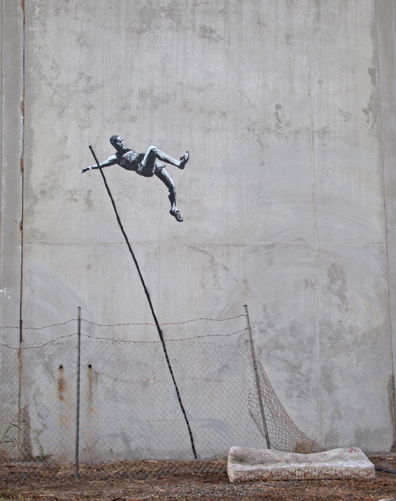 Salto con l'asta di Banksy http://www.banksy.co.uk/outdoors/index1.html